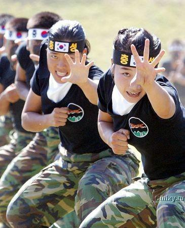 women_mil_52_s_korea.jpg